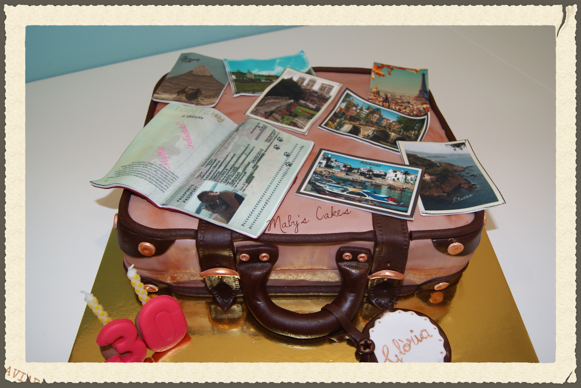 Tarta_Maleta_Pastel_fondant_personalizado_Mabys_Cakes_www.mabyscakes.com_Sabadell_Terrassa_Cumpleaño