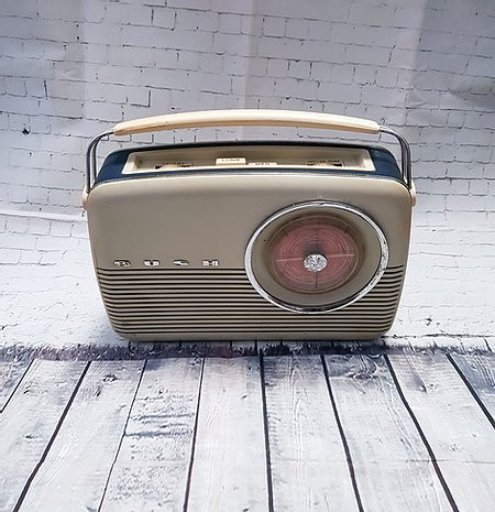 Original 1950s Vintage Cream Bush TR82c Radio