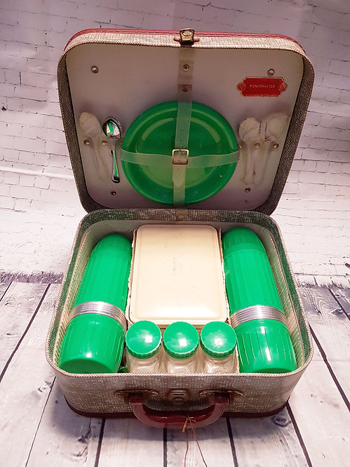 Vintage Picnic Set | 1950s Picnic Hamper | Vintage Collectables | Vintage Shop