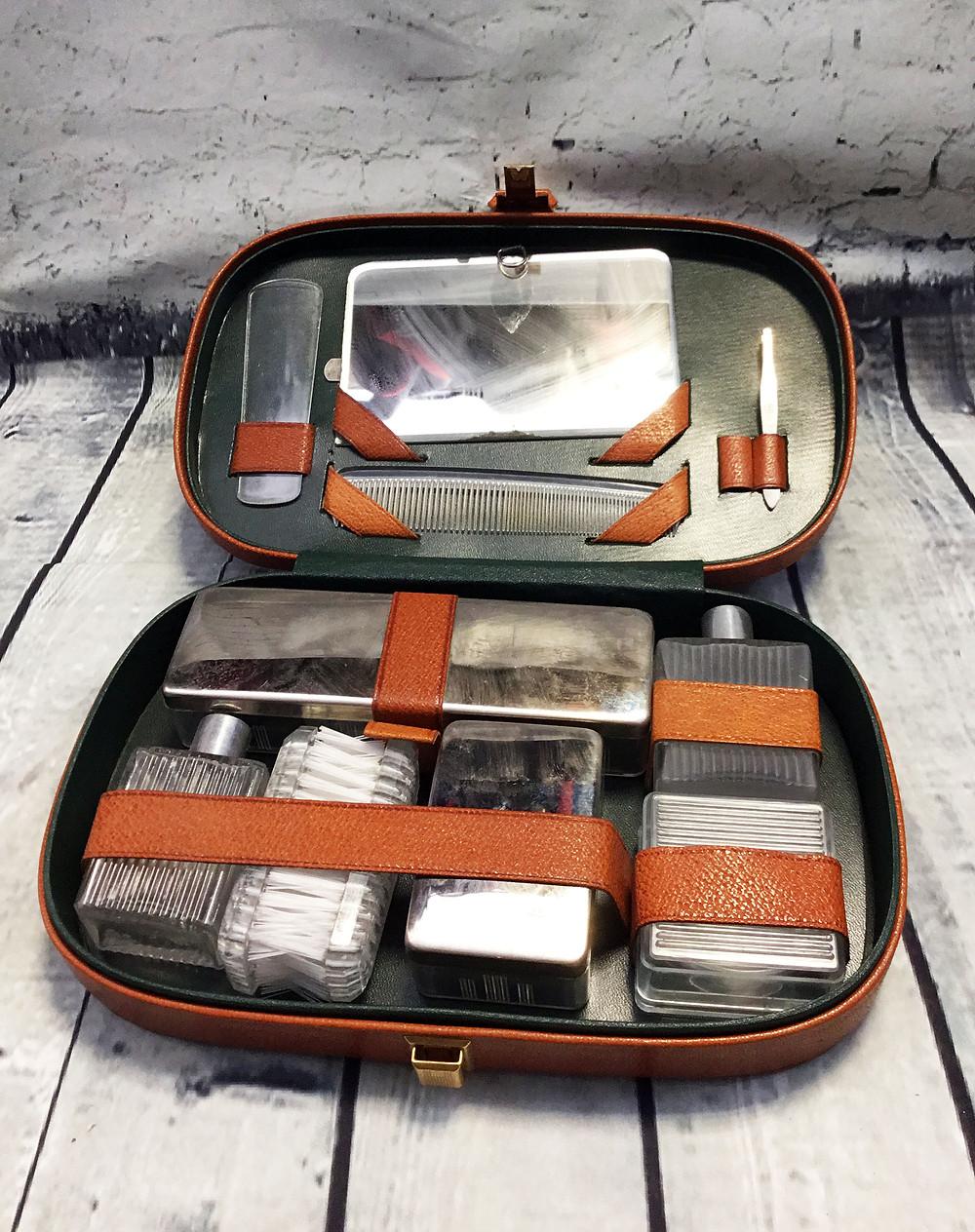 1950s/1960s Vintage Men's Grooming Set in Tan Leather Case