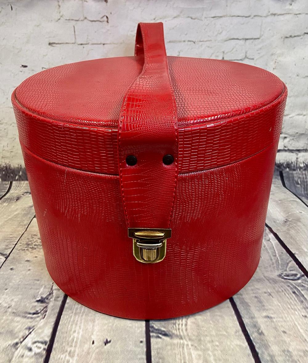 1960s Vintage Red Snake Round Vanity Case  £40