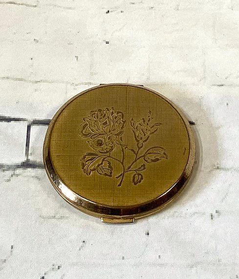 Vintage Stratton Gold Rose Compact | Vintage Stratton | Vintage Compacts