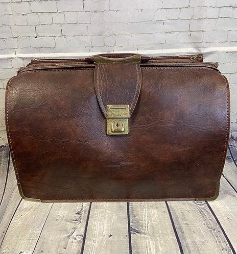 Vintage Doctors Bag | 1960s Gladstone Bag | Unique Vintage | Vintage Style
