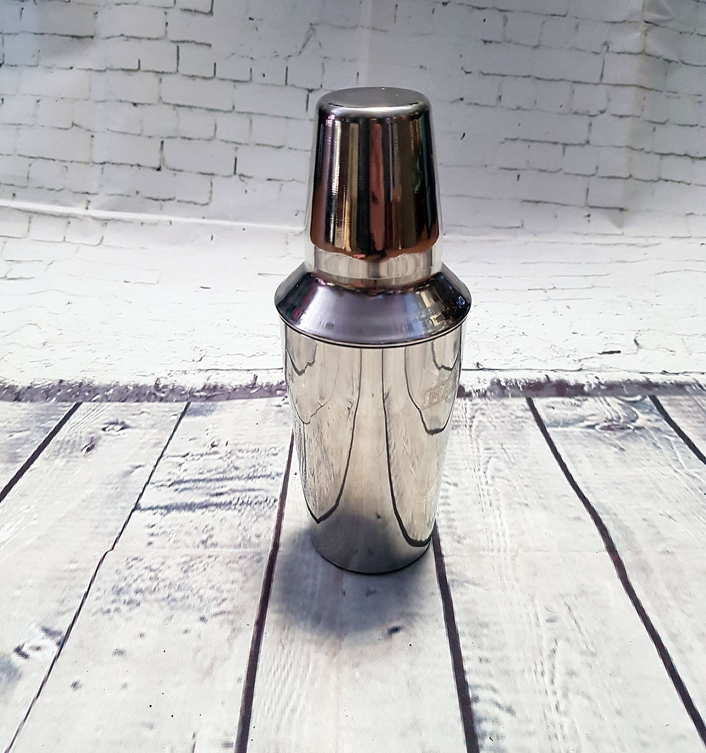 Vintage Retro Martini Metal Cocktail Shaker