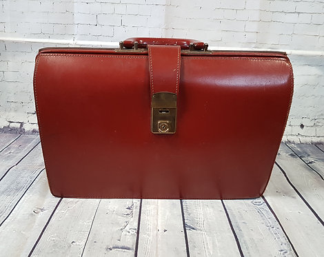 Vintage Doctors Bag   1960s Gladstone Bag   Unique Vintage   Vintage Shop