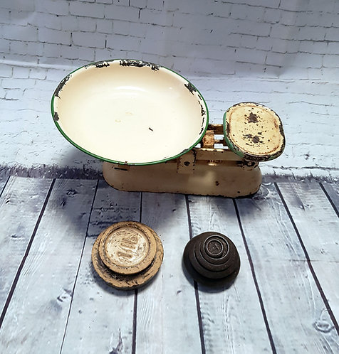 Vintage Kitchen Scales | Retro Kitchen Scales | Vintage Homeware | Retro Collectables