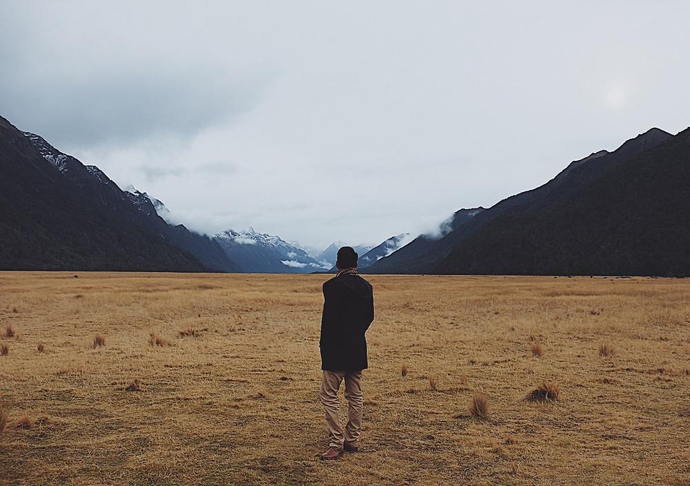 Pemandangan alam di New Zealand: padang dan gunung