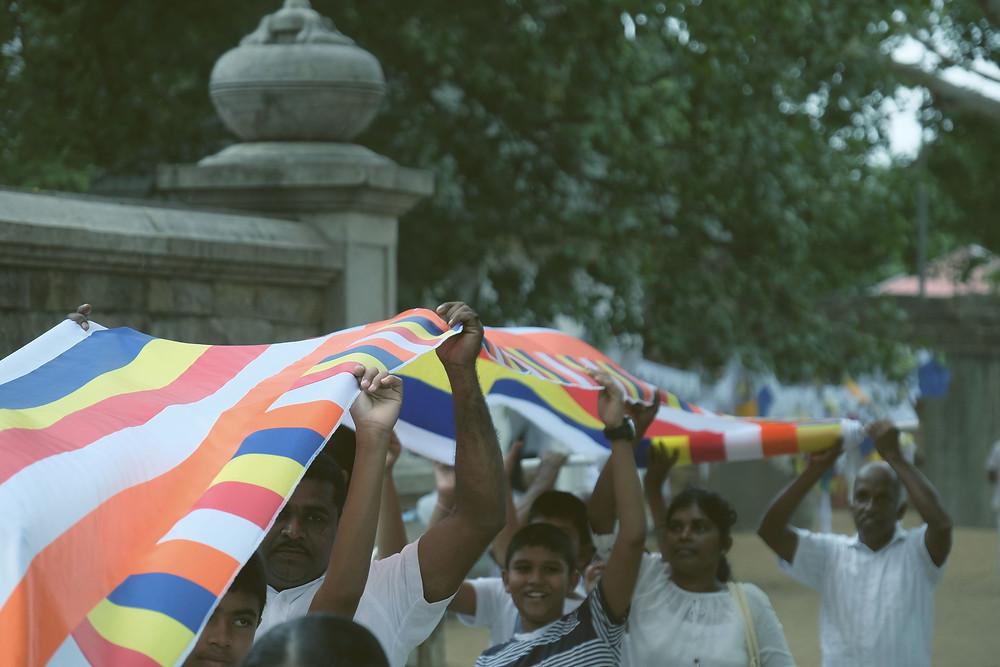 Mayoritas warga Sri Lanka adalah pemeluk agama Buddha