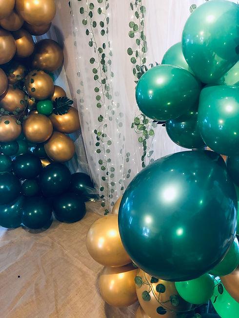Balloon Arch Service.JPG