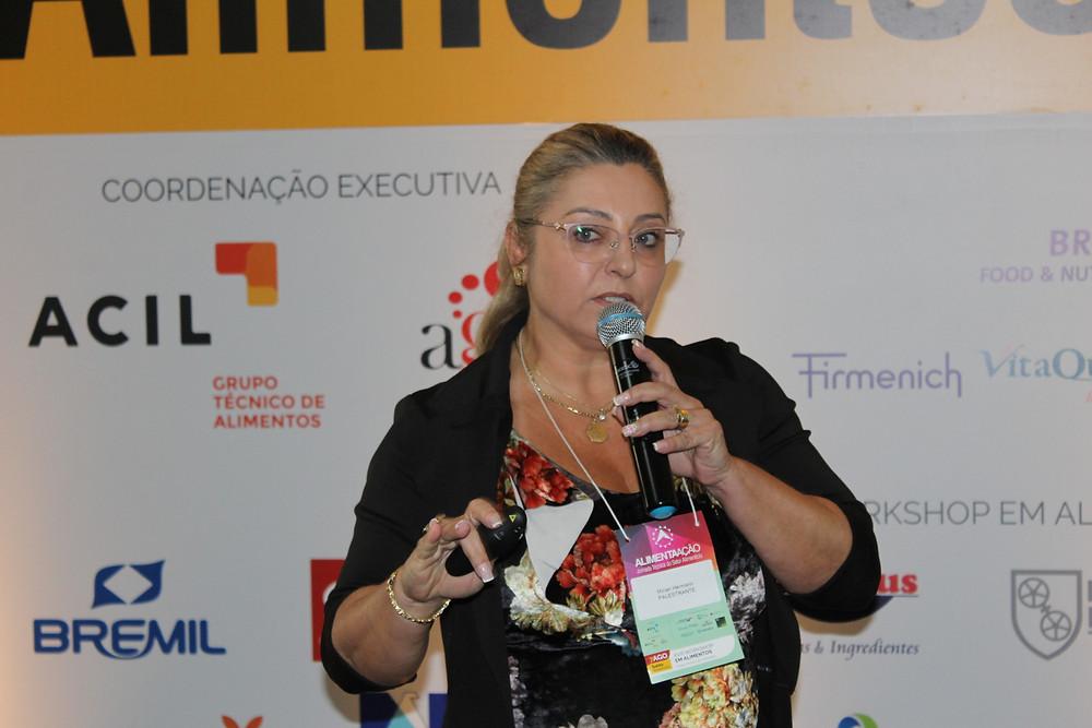 Mirian Hermann discorreu sobre gestão empresarial e a certificação FSSC 22000 - Crédito: Clarissa Jaeger