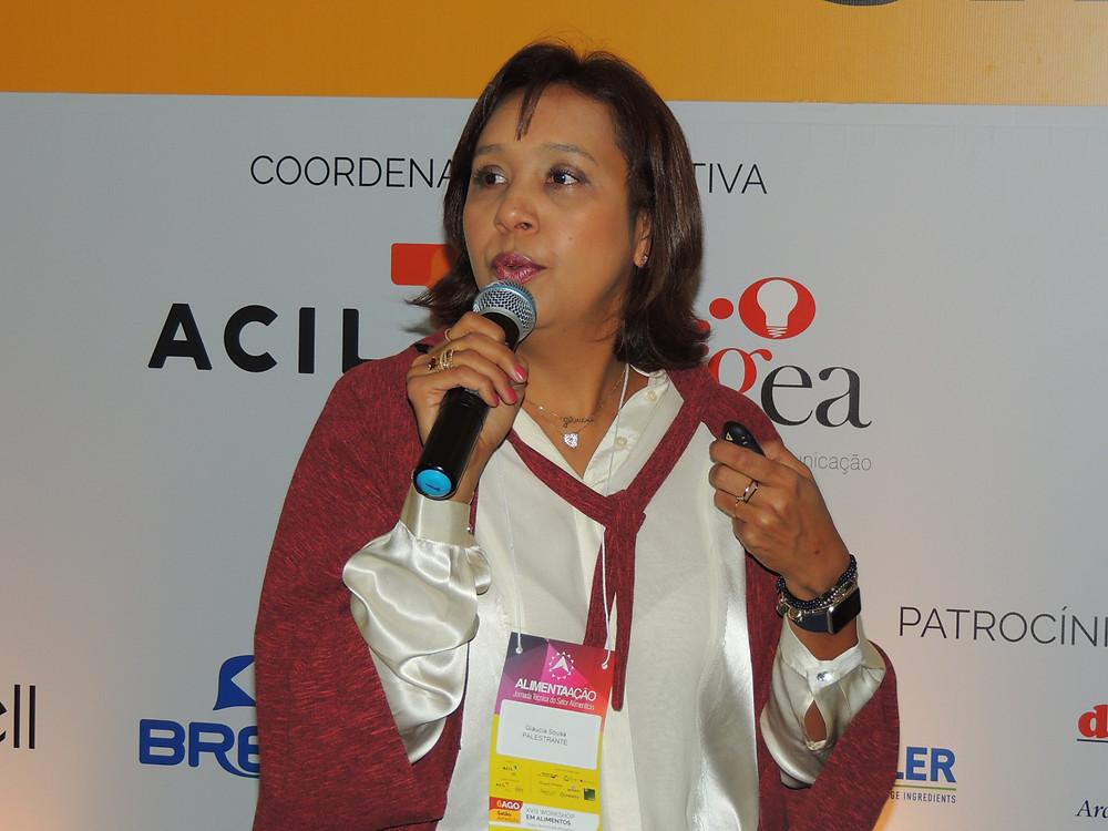 Glaucia Sousa fez um resgate histórico da busca por alimentos desde a pré-história - Crédito: Clarissa Jaeger