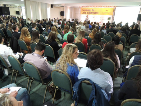Seminário do Leite e Derivados instiga reflexão sobre a qualidade dos laticínios