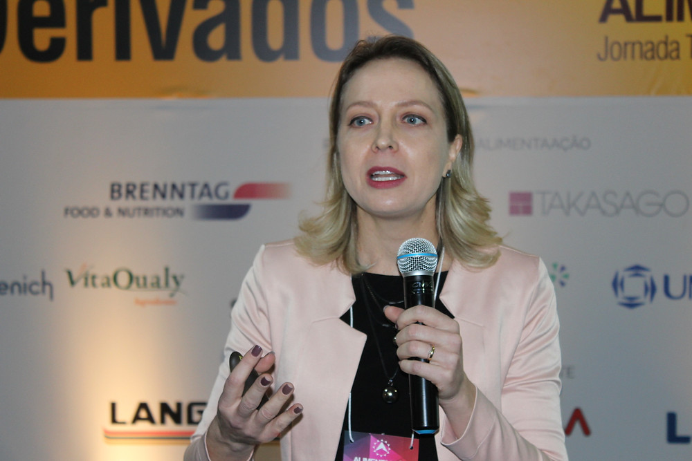 Katherine de Matos palestrou sobre a rastreabilidade digital e a transparência na cadeia de alimentos e bebidas - Crédito: Clarissa Jaeger