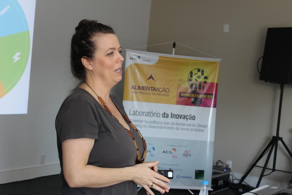 Atividade foi orientada pela diretora de inovação da Tacta Food School, Cristina Leonhardt - Crédito: Simone Rockenbach
