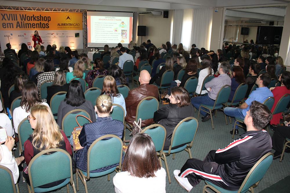 Público desta quarta-feira acompanhou sete palestras com diferentes motes - Crédito: Clarissa Jaeger