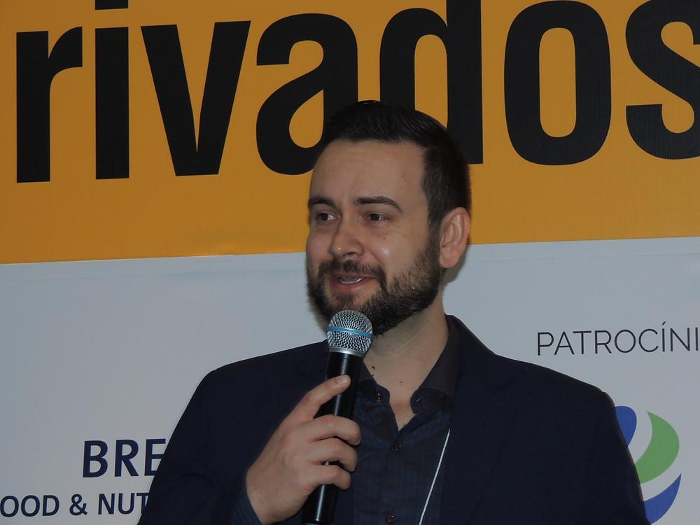 Os principais fatores que influenciam no rendimento de queijos foi o tema apresentado por Felipe Araújo - Crédito: Clarissa Jaeger