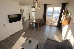 Wohnzimmer / Living Room