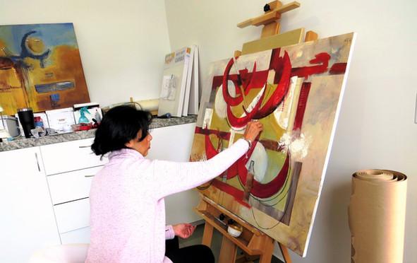 Lili Arenas in Studio (2).JPG
