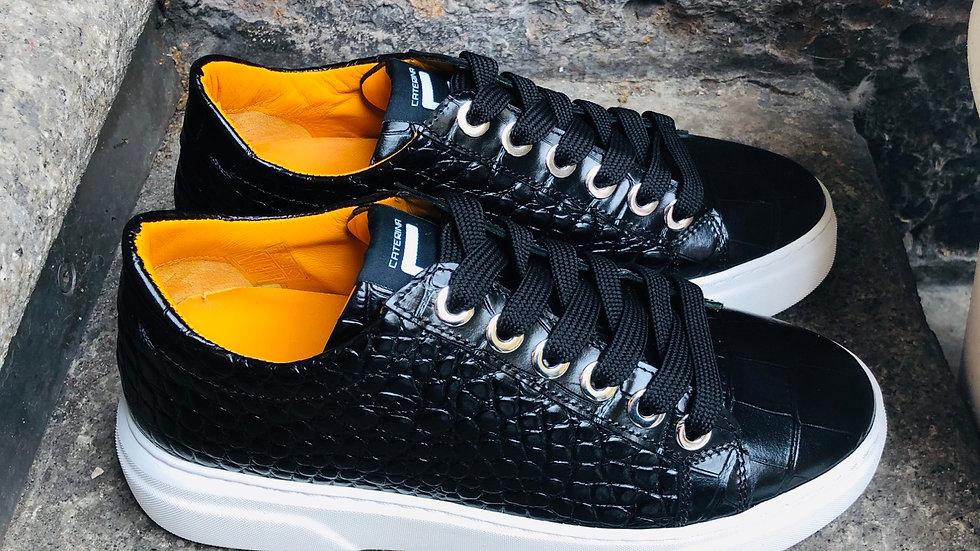 Krokodil-Leder-Optik Sneaker in schwarz