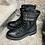 Thumbnail: Leder-Schnürstiefelette, femininer Military-Style, schwarz