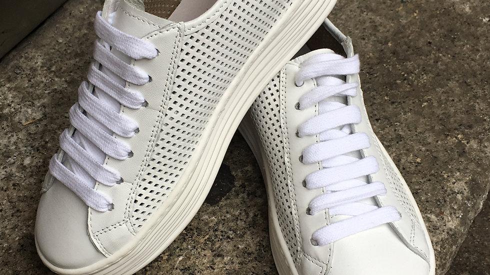 Leder Sneaker perforiert in weiß