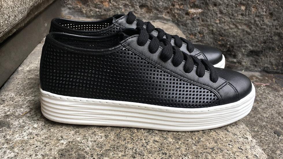 Leder Sneaker in schwarz