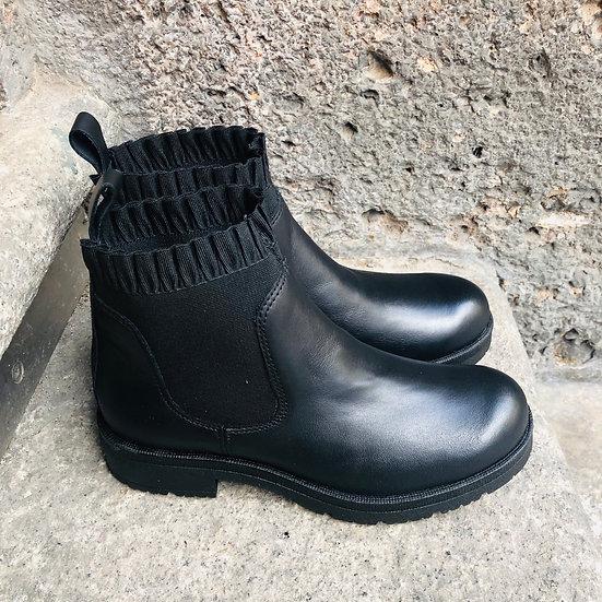 Weiche Nappa-Leder Stiefelette in schwarz mit Rüschen