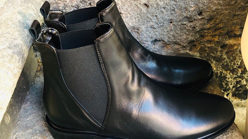 Schwarze Nappa-Leder Stieflette