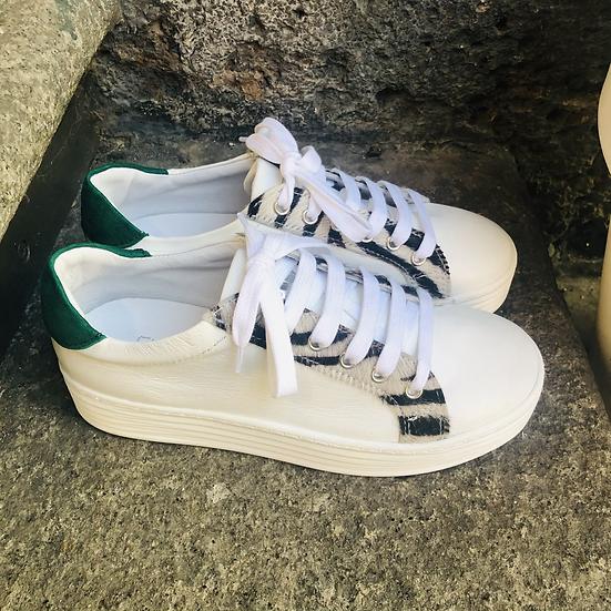 Leder Sneaker  in weiß mit Leopard-Optik Einsätze