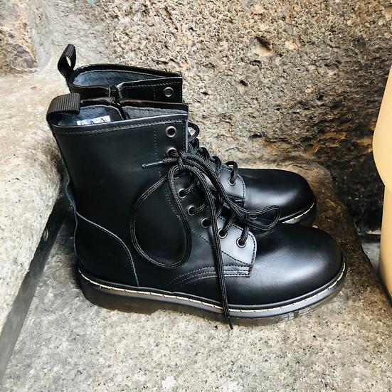 Leder Schnürstiefelette, Dr. Martens-Style, schwarz