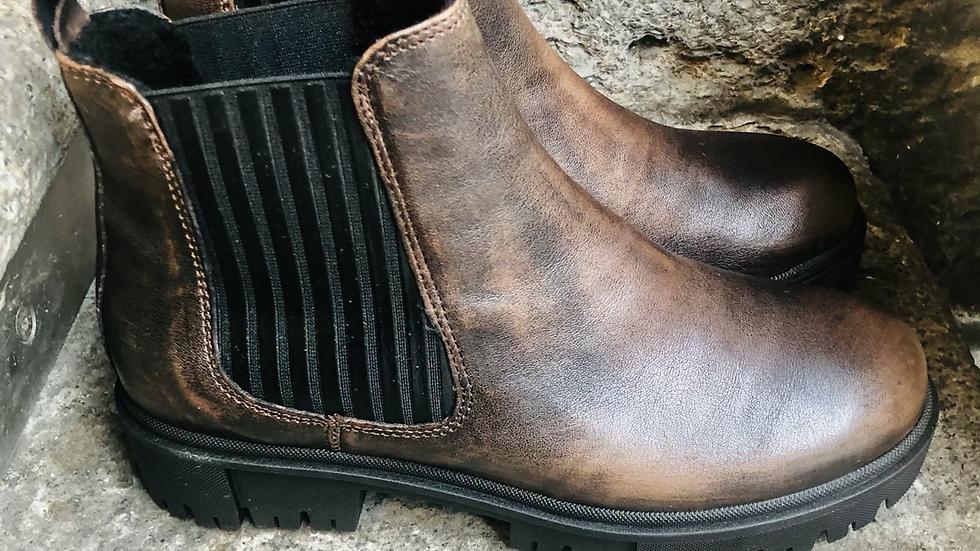 Braune Nappa-Leder Stieflette mit grobe Sohle