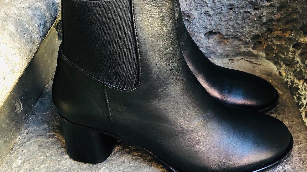 Schwarze Glattleder Stieflette, 5 cm Absatz