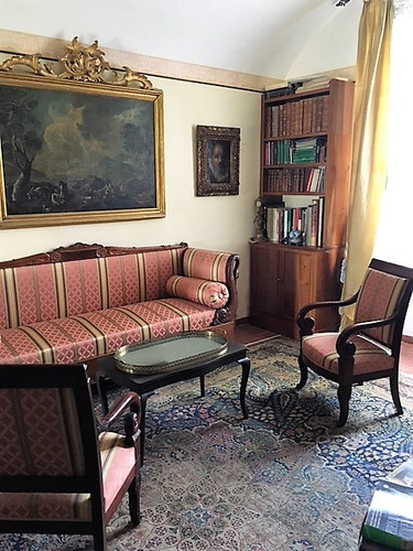 A sitting room in the Villa