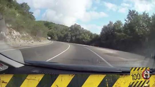 Motosiklet Kazası - Virajda Asla Sollama