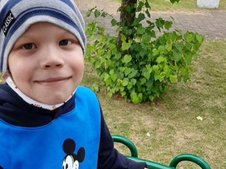 Medulloblastoma (CMB) hastası, 6 yaşındaki Vitya Petuhov'un Hikayesi