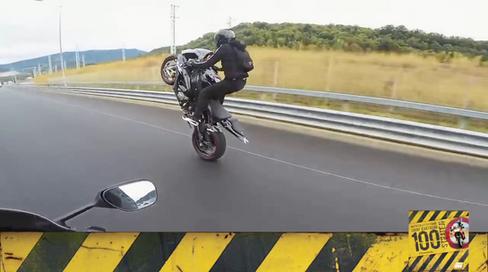 Motosiklet Kazası - Dikkat Çekiciler, Dikkati Dağıtır!
