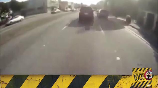 Motosiklet Kazası - Ortada Durma