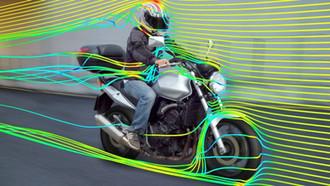 Sert Rüzgarda Motosiklet Sürmek!
