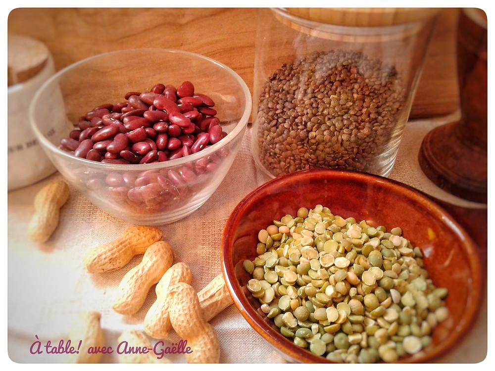 Cacahuètes, lentilles, pois cassés. Légumineuses