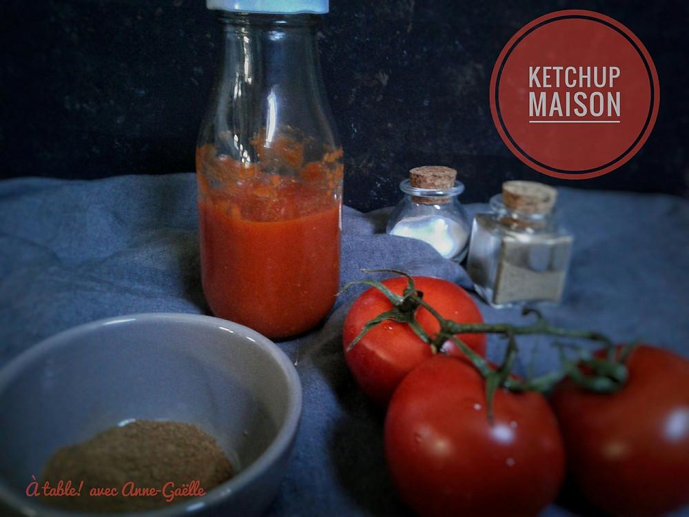 Bouteille de ketchup maison.