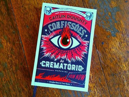 Resenha: Funerais e Morte com Confissões do Crematório