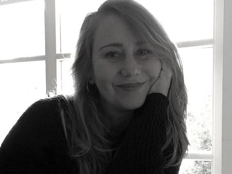 Viaje Para Alemanha com a Escritora Giselle Bohn e seu Humor Intenso