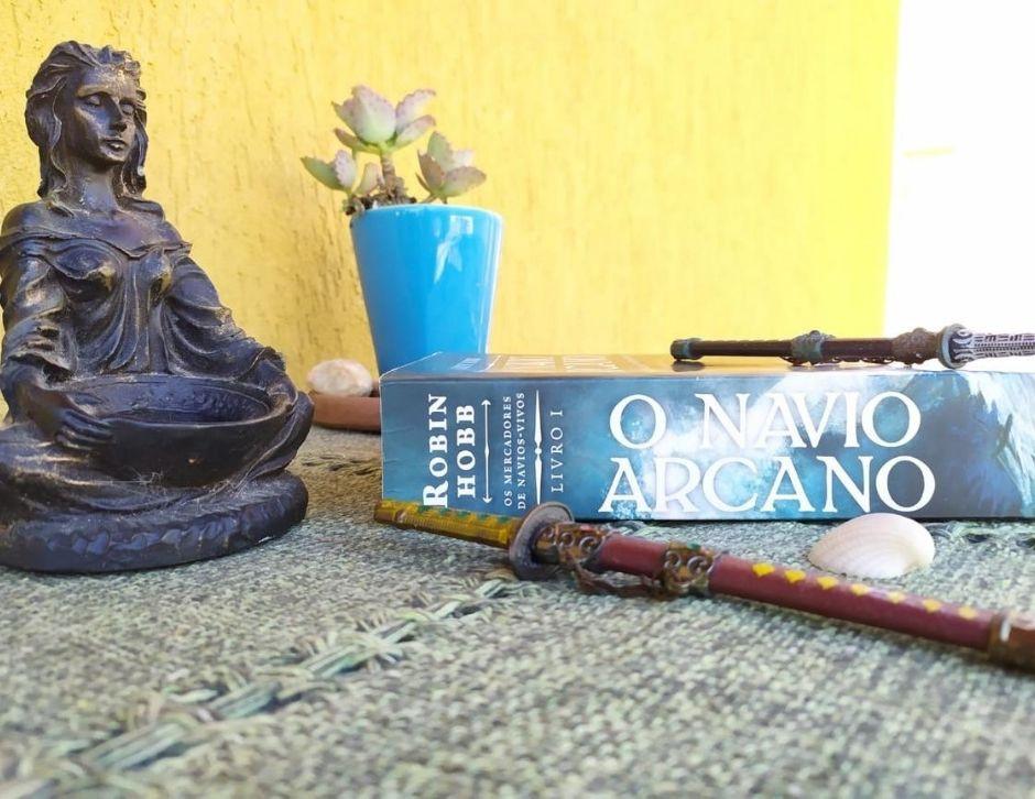 Resenha do livro: O Navio Arcano
