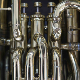 Das Ausbeulen von Blechblasinstrumenten