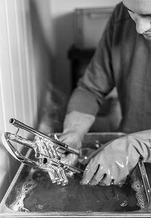 Ultraschallreinigung von Blechblasinstrumenten