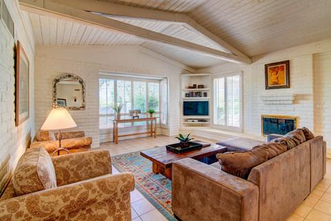 Desert Star - Living Room