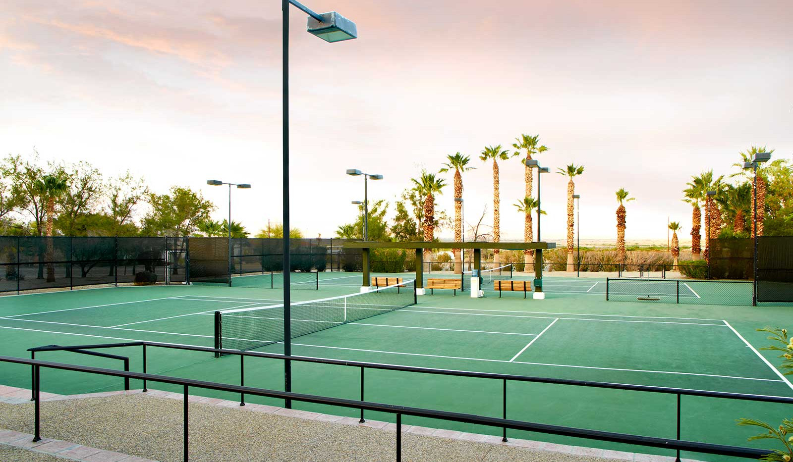 La Casa's tennis courts