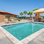 Casita Locust pool