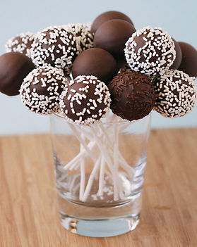 An-Easy-Way-To-Make-Cake-Pops-650x650.jp