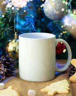 white-ceramic-coffee-cup-christmas-decor
